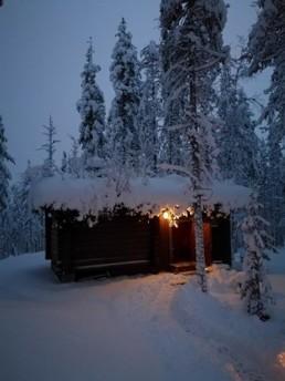 Kuerkievarin hotelli ja hostelli tarjoaa rauhallista majoitusta Ylläksellä, Äkäslompolossa.