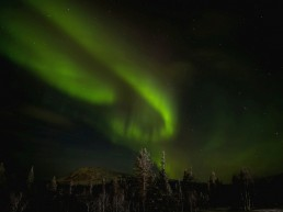 Experience the magic of Northern lights at Lapland when you stay at hotel or hostel Kuerkievari at Ylläs